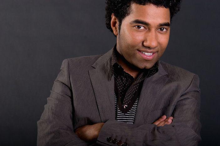 Tassen Omar Munie : Omar munie opent people s business in beurs wtc